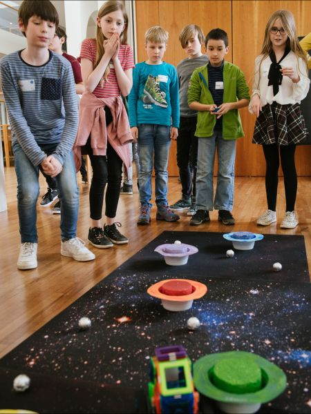 Selbstfahrende Mars-Roboter im Parcours